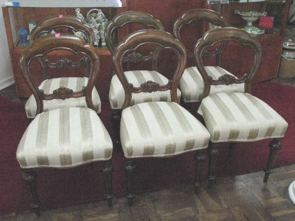 426: SET OF 6 VICTORIAN MAHOGANY BUSTLE BACK CHAIRS, c1