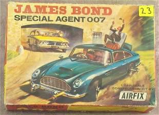 c1965 JAMES BOND ASTON MARTIN CONSTRUCTION CAR KIT