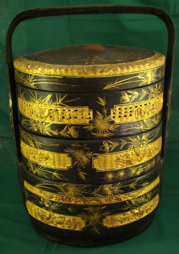 1022: ANTIQUE CHINESE LACQUERED WEDDING BASKET
