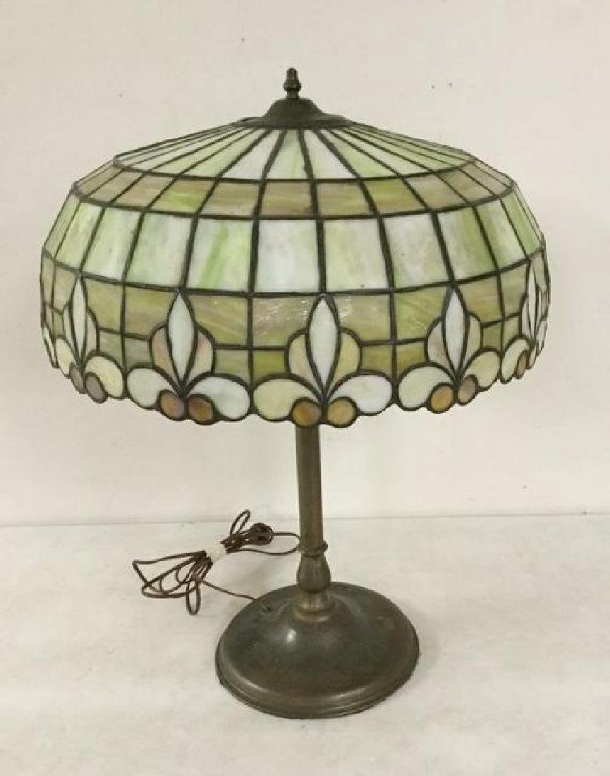 QUALITY CIRCA 1920'S LEADED GLASS TABLE LAMP WITH BRASS