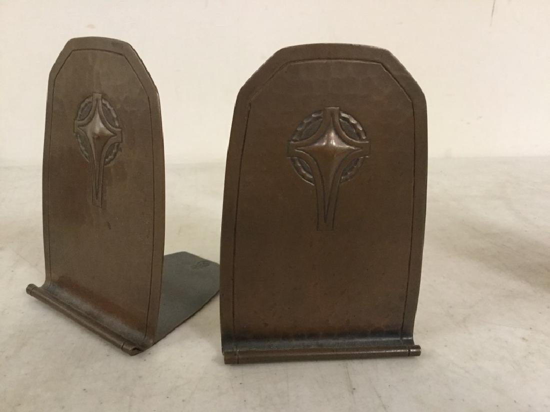 """PAIR ROYCROFT COPPER HAND HAMMERED BOOKENDS MEASURE 5"""""""