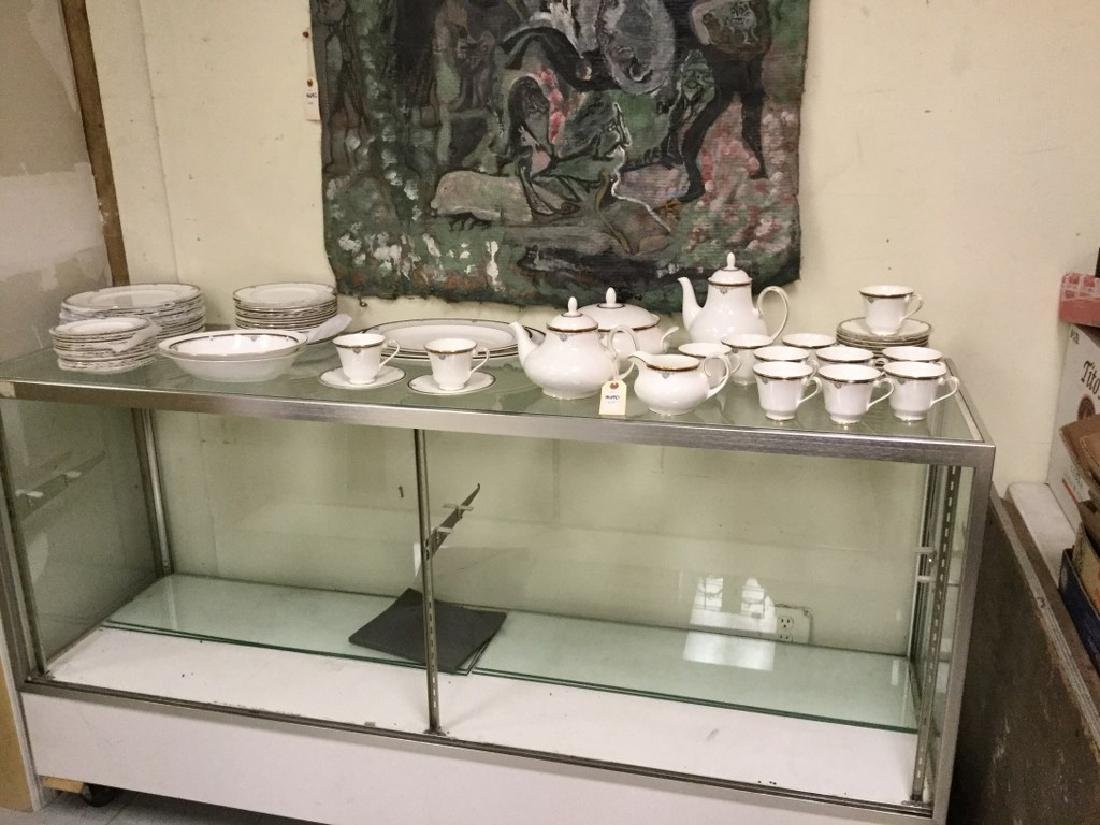 LOT OF ROYAL DOULTON CHINA, CAMBRIDGE PATTERN, SERVICE - 7
