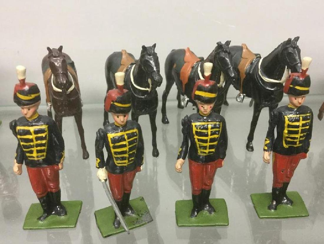 BRITAINS SOLDIERS- 8 PCS PRINCE ALBERTS 11 TH HUSSARS,