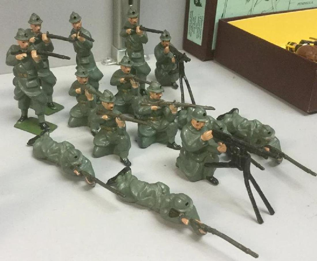 BRITAINS SOLDIERS- 14 PCS BELGIUM INFANTRY OF THE LINE