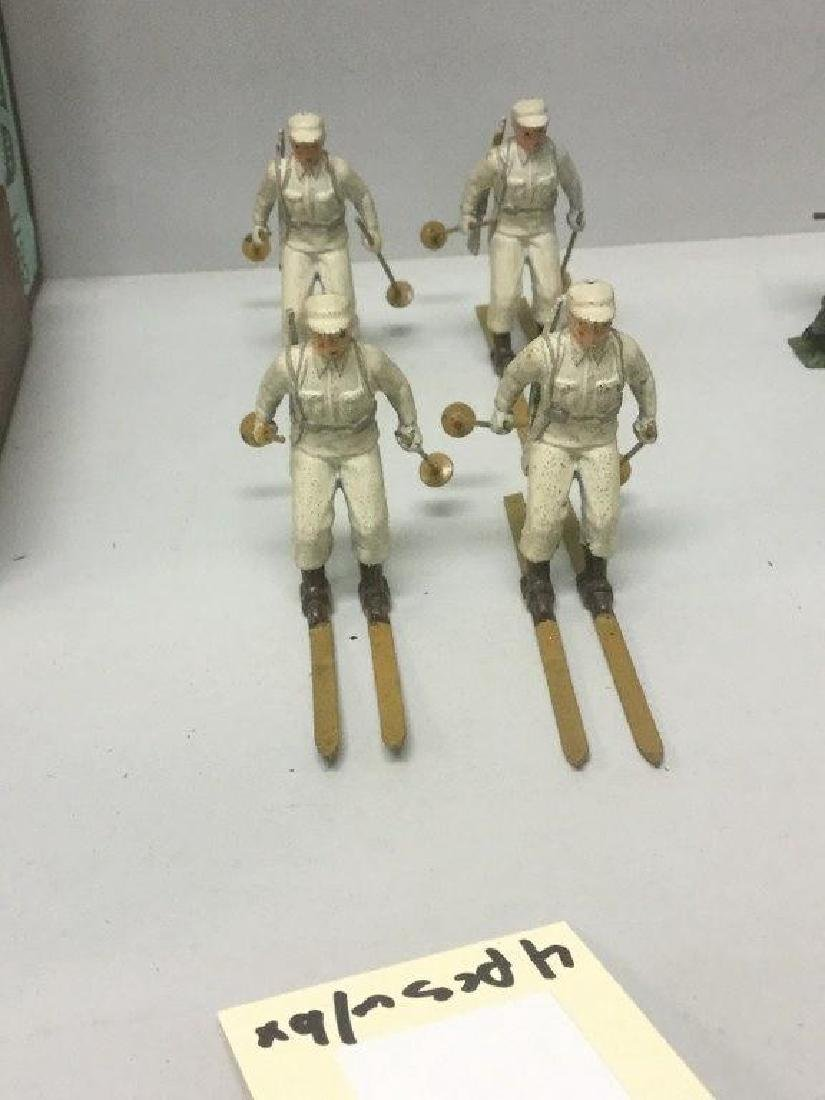 BRITAINS SOLDIERS- 4 PCS SKI TROOPS, CIRCA 1950'S, WITH