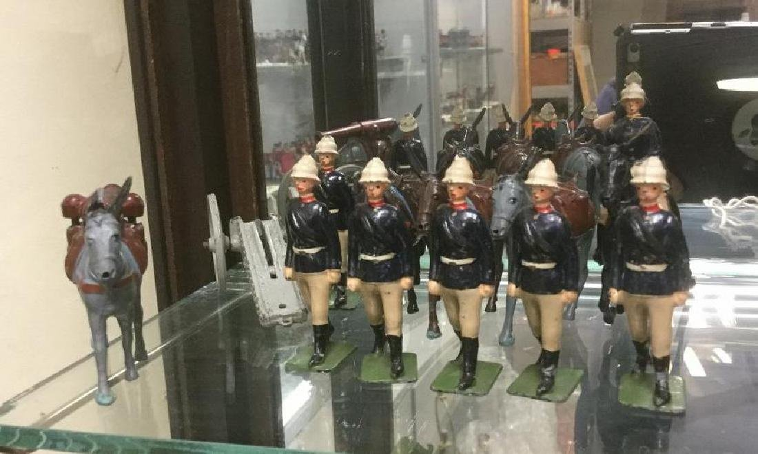 BRITAINS SOLDIERS- 12 PCS ROYAL ARMY MOUNTAIN ARTILLERY