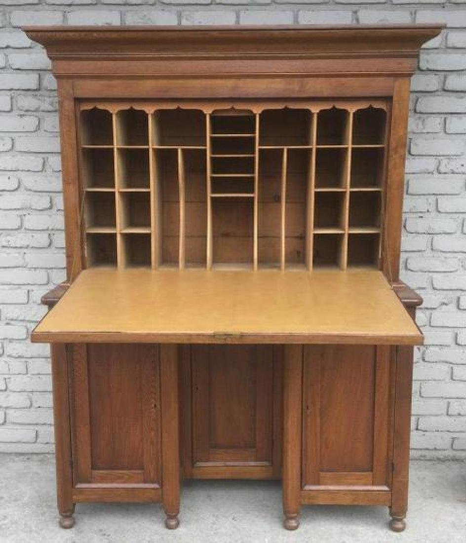 BEAUTIFUL OAK DROPFRONT COUNTRY DESK, WITH 3 DOORS ON