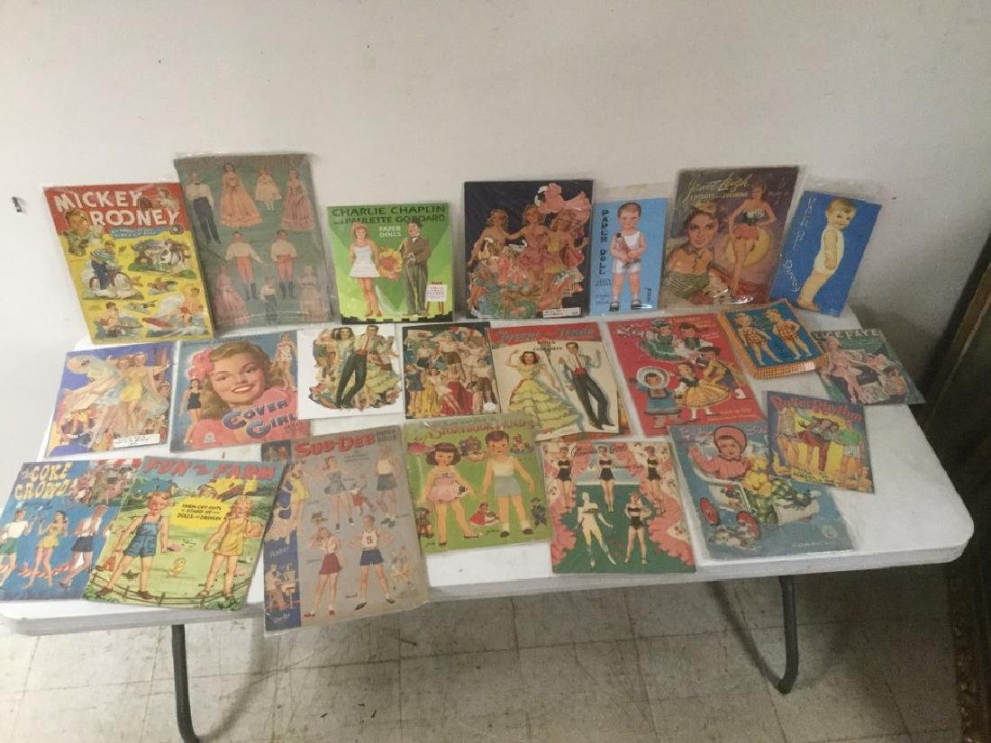 BOXLOT OF 22 PAPER DOLLS AND CUT OUTS, WIDE RANGE OF