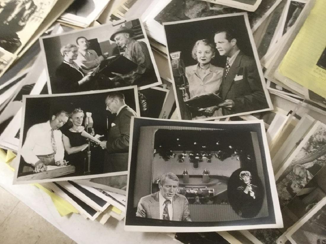 BOXLOT OF 100'S OF VINTAGE MOVIE PRESS PHOTOGRAPHS AND - 4
