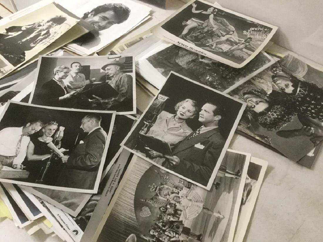 BOXLOT OF 100'S OF VINTAGE MOVIE PRESS PHOTOGRAPHS AND - 7