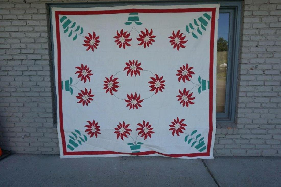 """EARLY FLOWER POT AND FLOWER QUILT, SMALL 1"""" PIECE"""