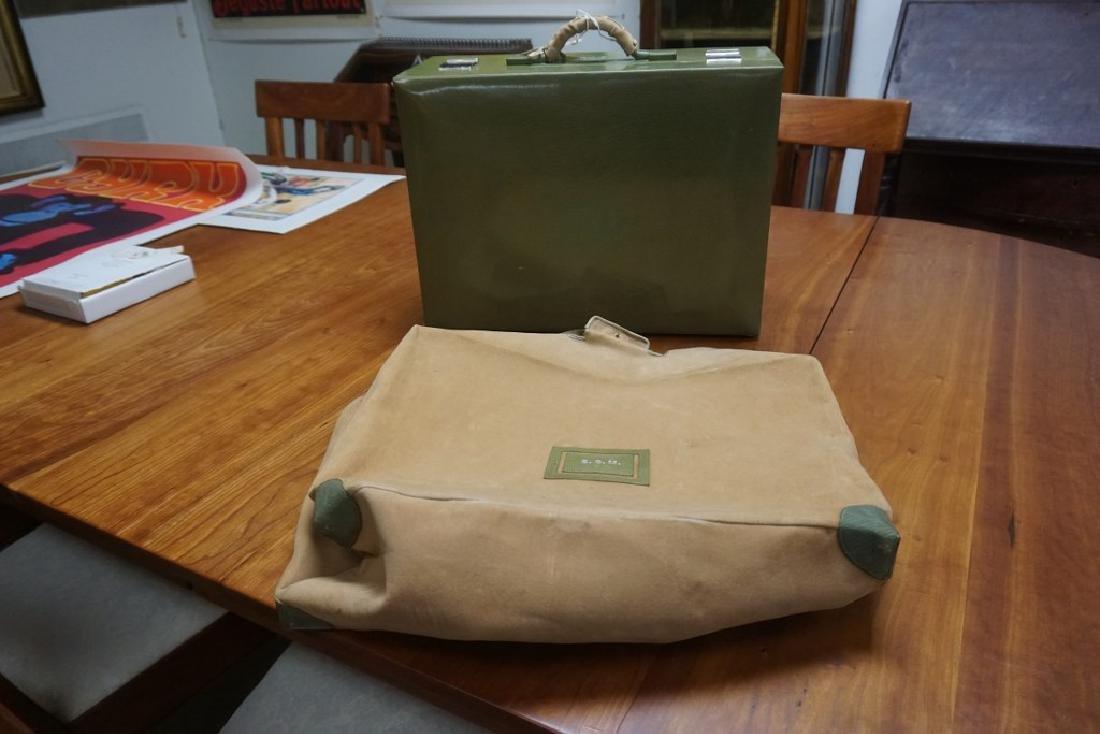 BEAUTIFUL CIRCA 1920'S GREEN LEATHER LADIES TRAVEL KIT - 4