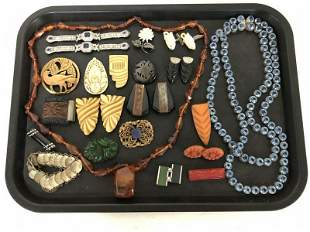 LOT OF COOL VINTAGE COSTUME JEWELRY, SOME BAKELITE,