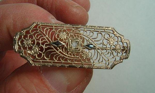 BEAUTIFUL FILIGREE 14K WHITE GOLD PIN, HAS DIAMOND IN C