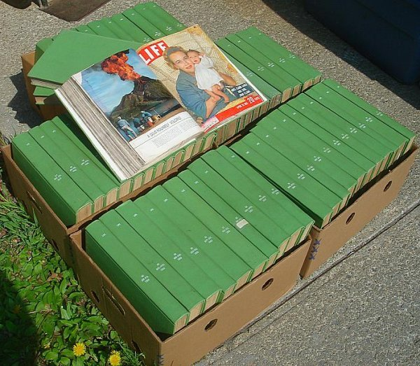 15: BIG LOT BOUND LIFE MAGAZINES EARLY 1960'S TO EARLY