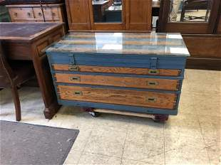GREAT OLD OAK 3 DRAWER TOOL CHEST, MADE IN TO COFFEE