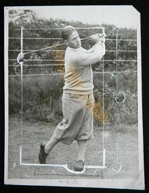 24: BOOBY JONES 1930 PRESS PHOTOGRAPH SHOWING HIM SWING