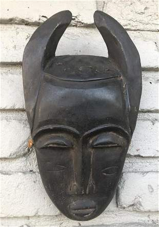 OLD WEST AFRICAN MASK, FROM HUDSON VALLEY ESTATE, WAS