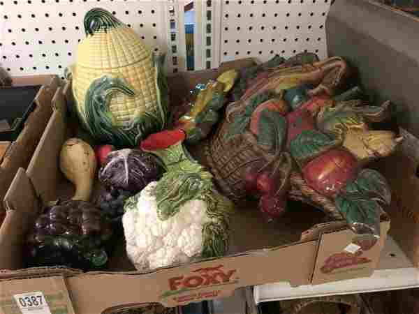MISC LOT FROM WOODSTOCK ESTATE INCLUDES CORN COOKIE JAR