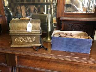 EDISON STANDARD CYLINDER PHONOGRAPH W/HORN AND 12