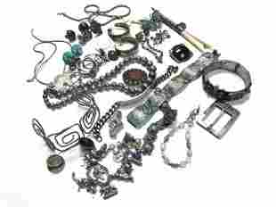 VINTAGE MOSTLY STERLING SILVER ESTATE LOT JEWELRY, GOOD