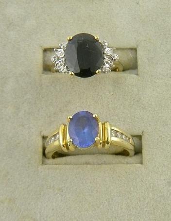4H: (2) 14K Ladies Rings with Blue Stones 6.9 Pennweigh