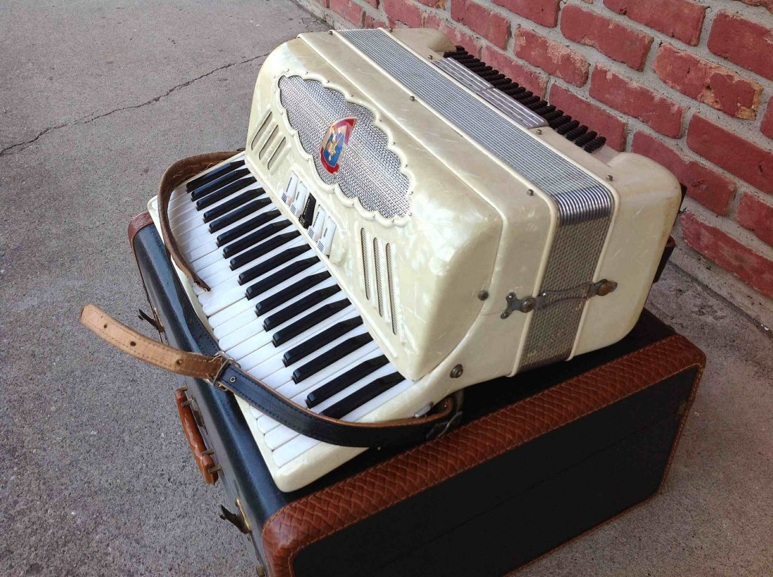OLDER PANCORDION INC. ACCORDION, MADE IN ITALY, IN - 3