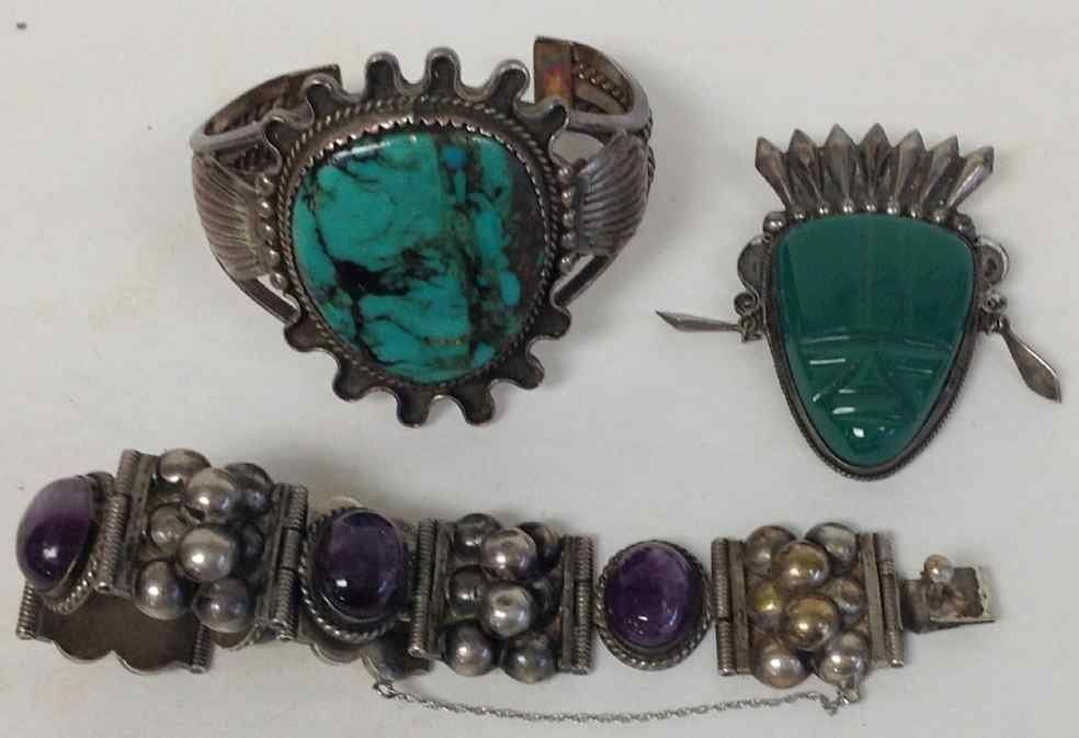 LOT OF STERLING SILVER JEWELRY INCLUDING NAVAJO CUFF