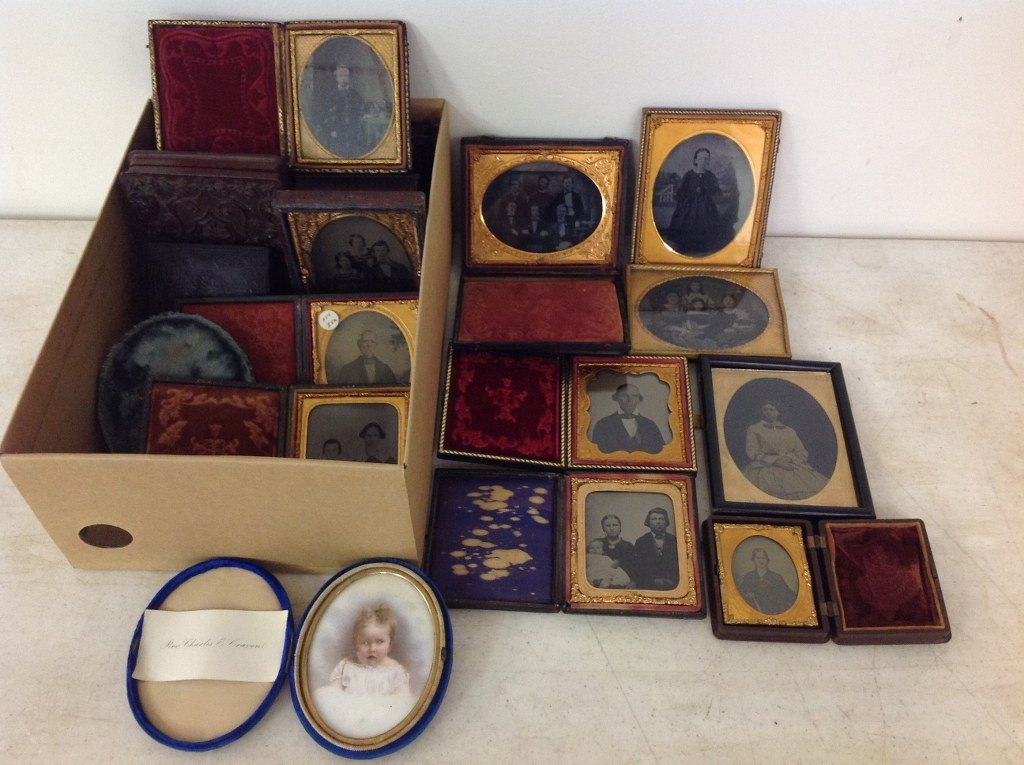 LOT OF 23 IMAGES, AMBROTYPES, 9 UNION CASES AND 2