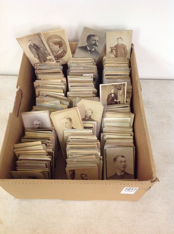 LOT OF 1000 AMERICAN CDV'S, INCLUDING SOME WOMEN,
