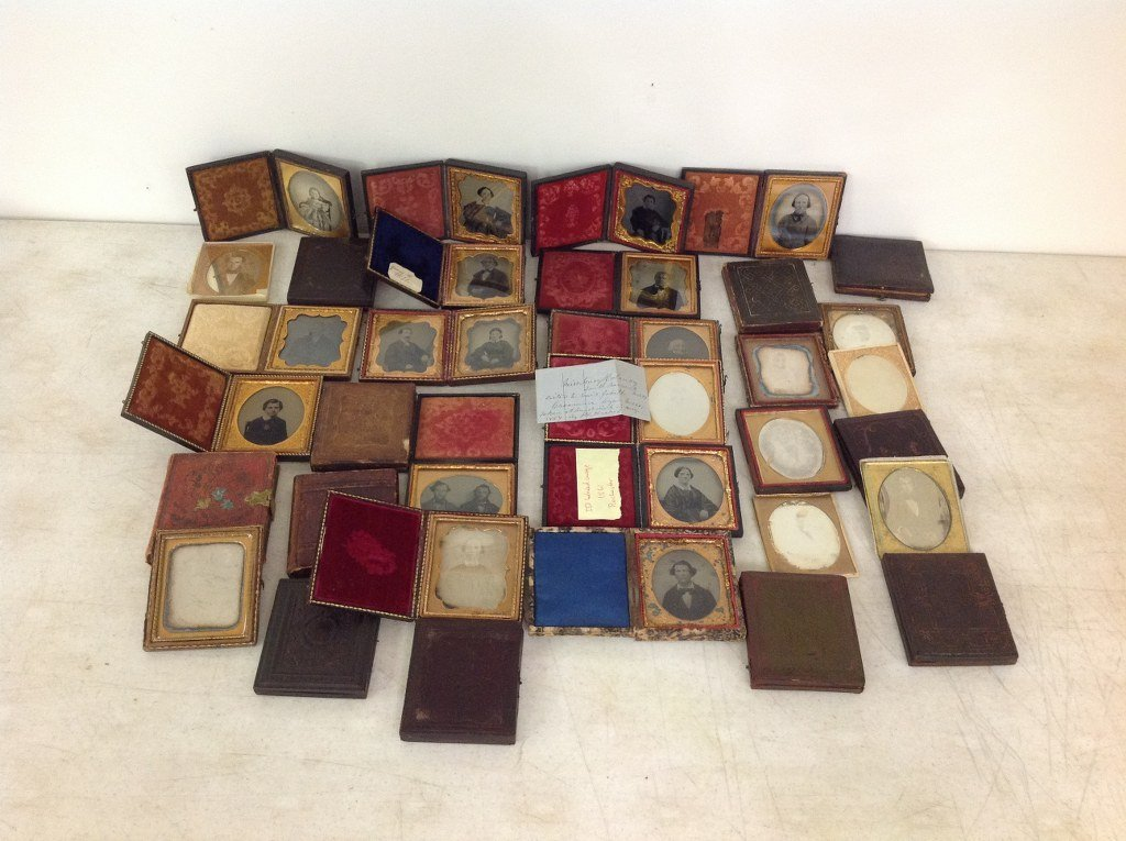 LOT OF 35 IMAGES, ALL SIXTH-PLATES, 19 DAGUERREOTYPES,