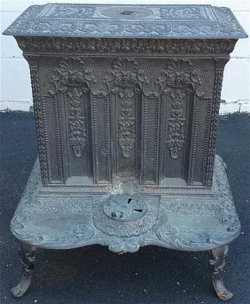 ALBANY N.Y. CAST IRON PARLOR STOVE, FROM - RATHBONE & CO. ALBANY N.Y. CAST IRON PARLOR STOVE, FROM