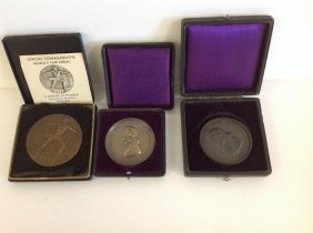(3) Bronze Medals In Cases (2) Cooper Union & 1933 Worl