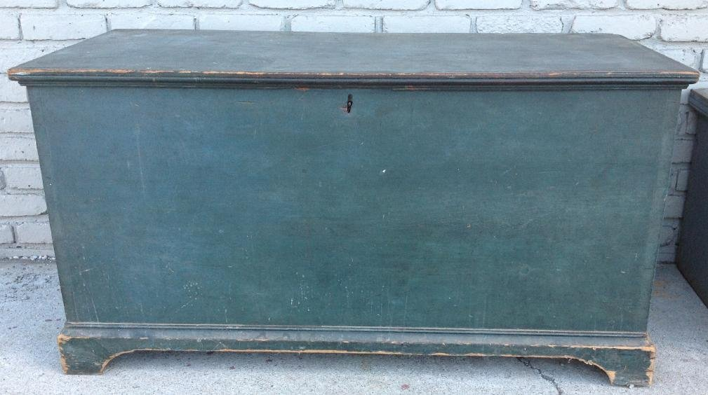 EARLY BLUE DOVETAILED BLANKET BOX ON BRACKET BASE, TILL