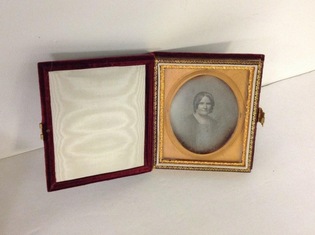 LOT OF 2 DAGUERROTYPES & MINIATURE PORTRAIT OF WOMAN, - 4