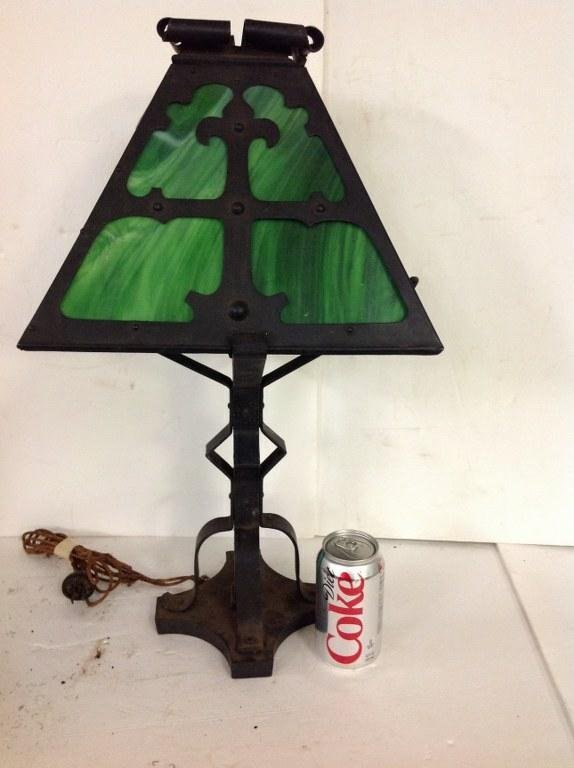 ARTS & CRAFTS METAL TABLE LAMP W/GREEN SLAG GLASS