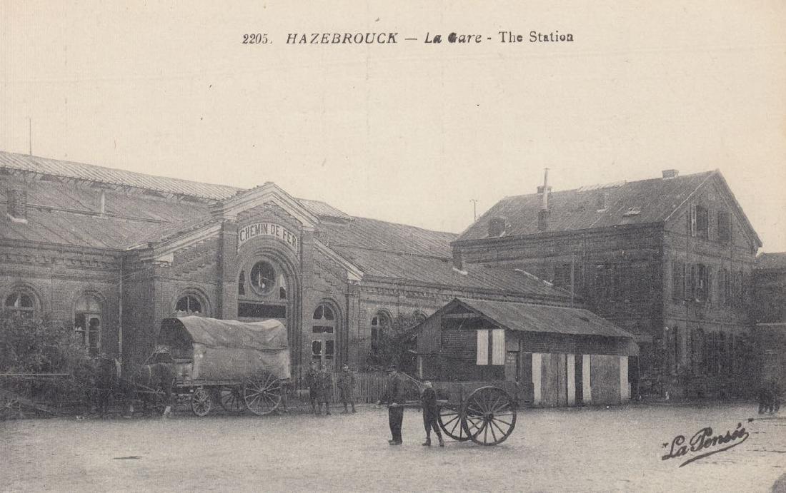 FRANCE. 21 cartes postales de gares, époques diverses.