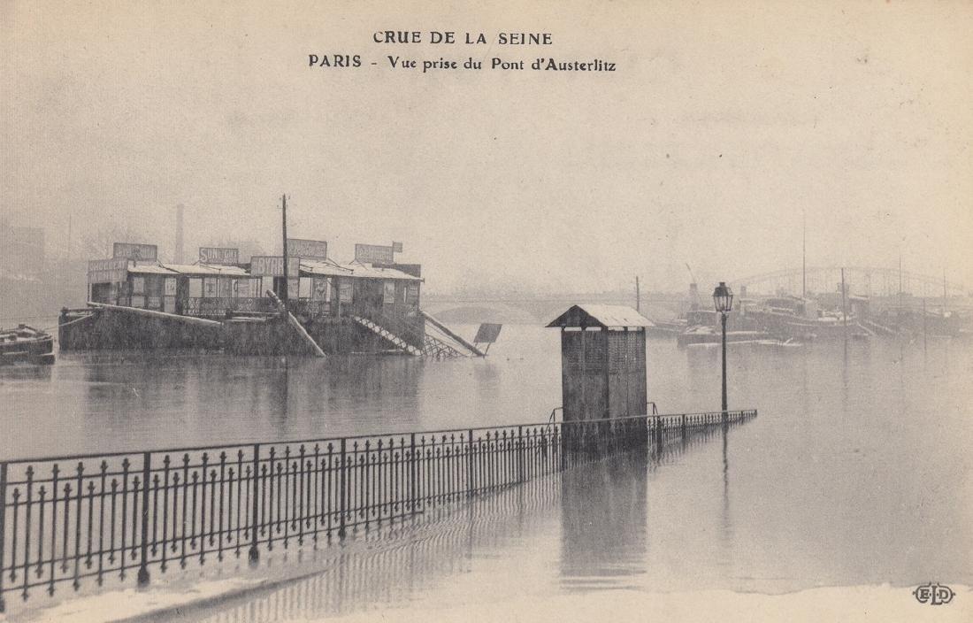 FRANCE: Paris, Île de France dont 45 sur les