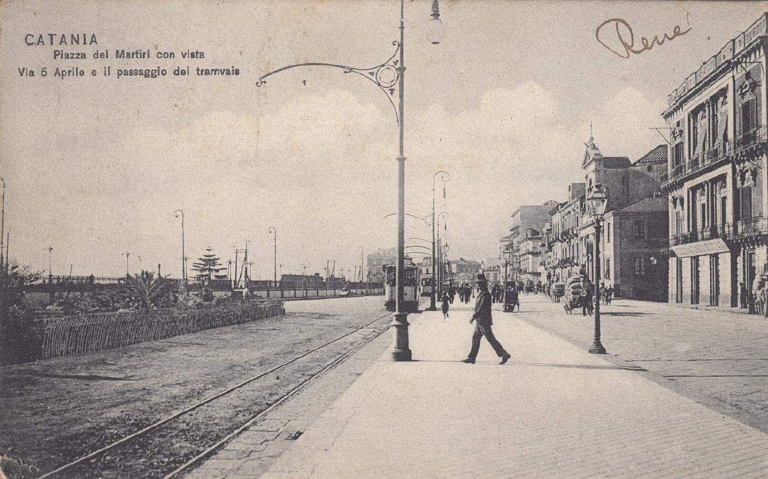 TRANSPORTS: tramways, trains, gares. Lot d'une cinquant