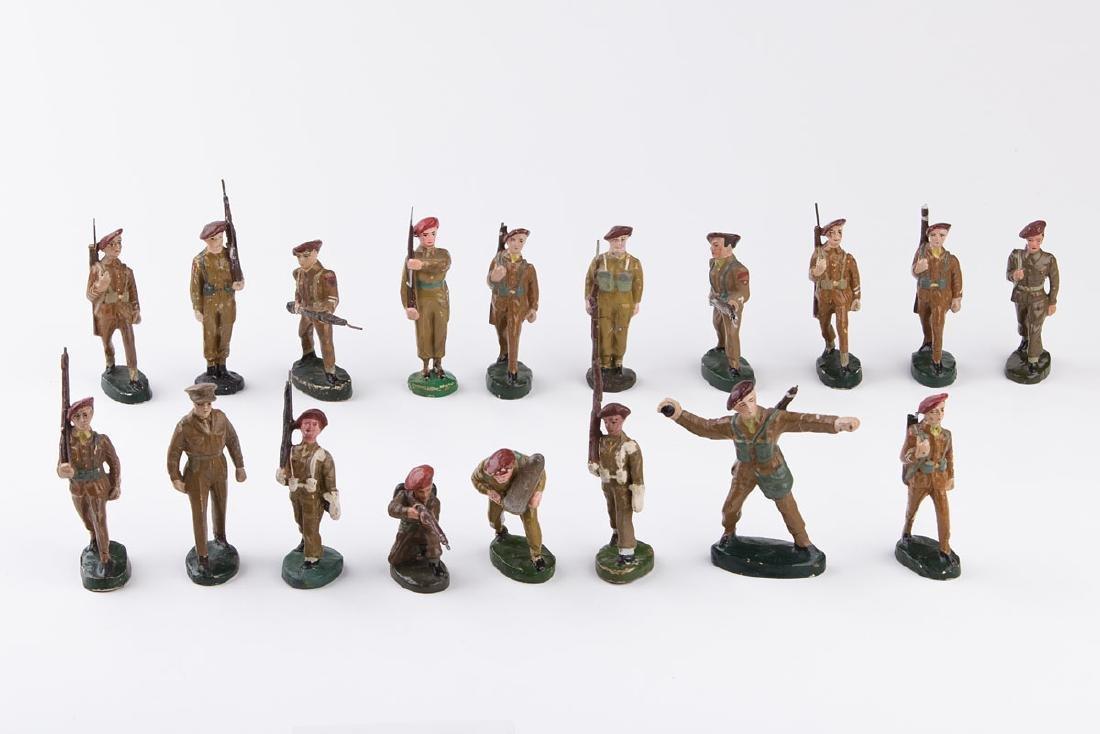 [BELGIQUE] MB - Bérets rouges. 5 soldats défilant