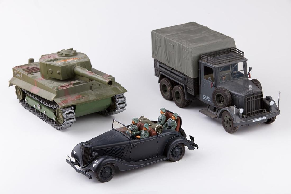 [VÉHICULES] SOLIDO - Ford V8 en métal avec 4 soldats
