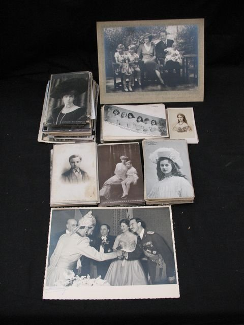 20: Familles royales belge étrangères cartes postales