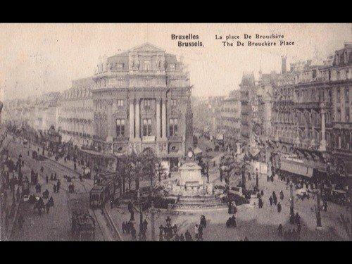 10: Bruxelles-Centre ville. Environ 225 cartes postales