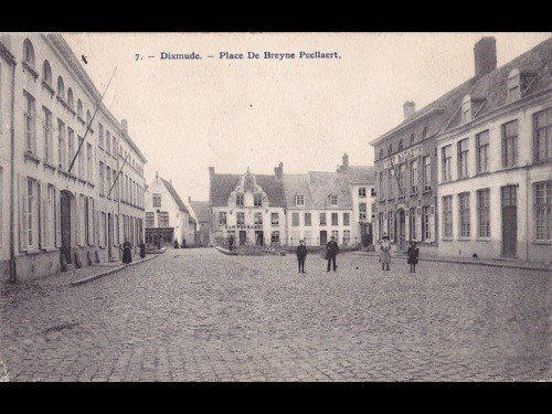 16: Flandre occidentale. Environ 150 cartes postales.