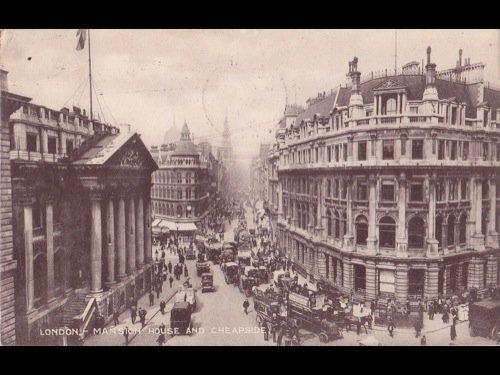 36: Angleterre : Londres. Environ 520 cartes postales.