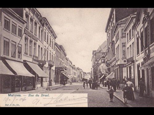 1: Belgique. Environ 300 cartes postales.