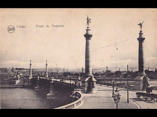 8: Liège. Environ 400 cartes postales.