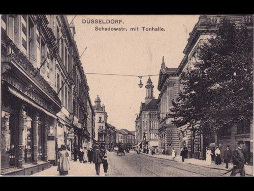 12: Allemagne & Autriche. Environ 280 cartes postales.