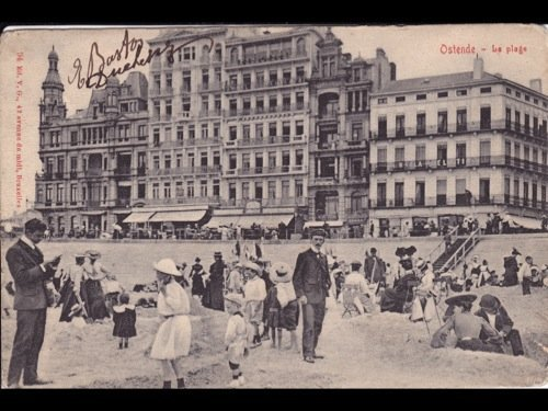 Belgique. Ostende. Environ 250 cartes postales.
