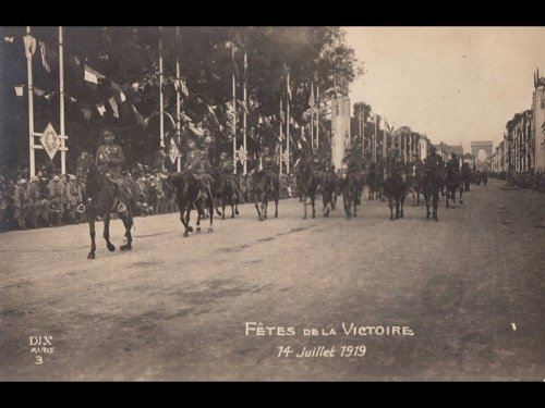 MILITARIA : 1914-1918, destructions, défilés...